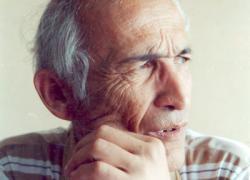Аман Мухтар (1941-2013)