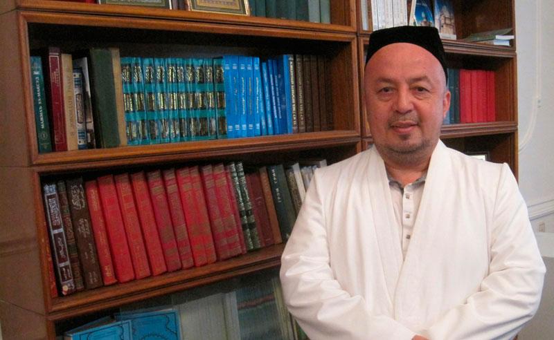 http://n.ziyouz.com/images/anvar-qori2.jpg