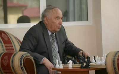http://n.ziyouz.com/images/erkin_vohidov.jpg
